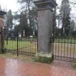 Geschmiedeter Zaun am Friedhof